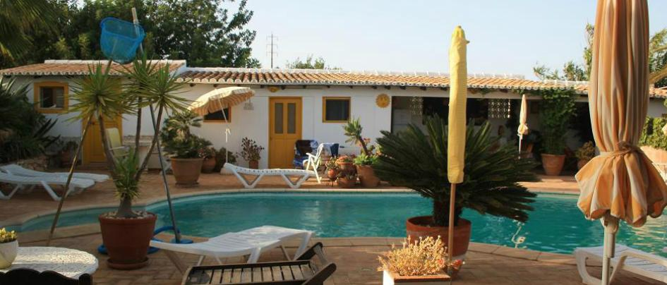 Casa Amarela naturist guest house near a nudist resort in Portugal